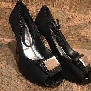 White House black market peep toe pump